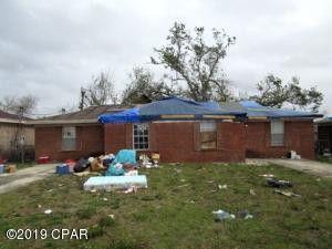 Photo of 1006 Russ Lake Dr, Panama City, FL 32404