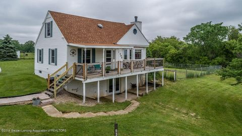 Photo of 8595 Columbia Hwy, Eaton Rapids, MI 48827