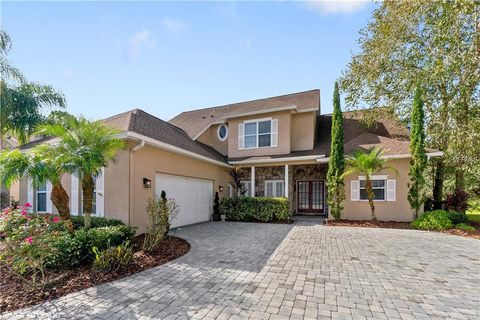 Photo of 10445 Canary Isle Dr, Tampa, FL 33647