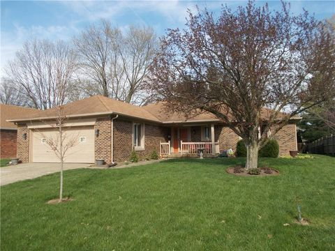 Photo of 825 Summitcrest Dr, Indianapolis, IN 46241