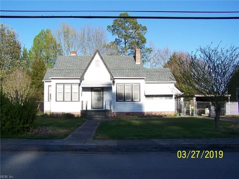 Photo of 25 N Court St, Isle of Wight County, VA 23487