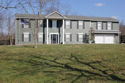 Photo of 102 Pacer Rd, Wilmore, KY 40390