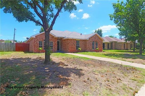 Photo of 2516 Larkspur Ln, Rowlett, TX 75089