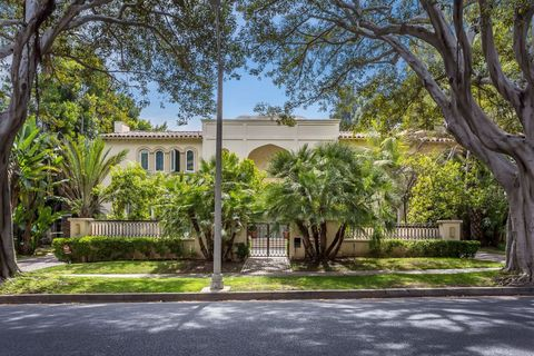 Photo of 933 N Rexford Dr, Beverly Hills, CA 90210