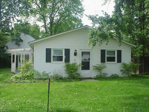 Photo of 98 Clovercliff Dr, Chippewa Lake, OH 44215