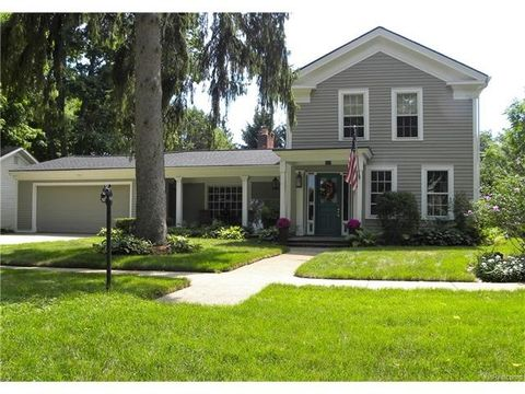 clarkston mi houses for sale with swimming pool