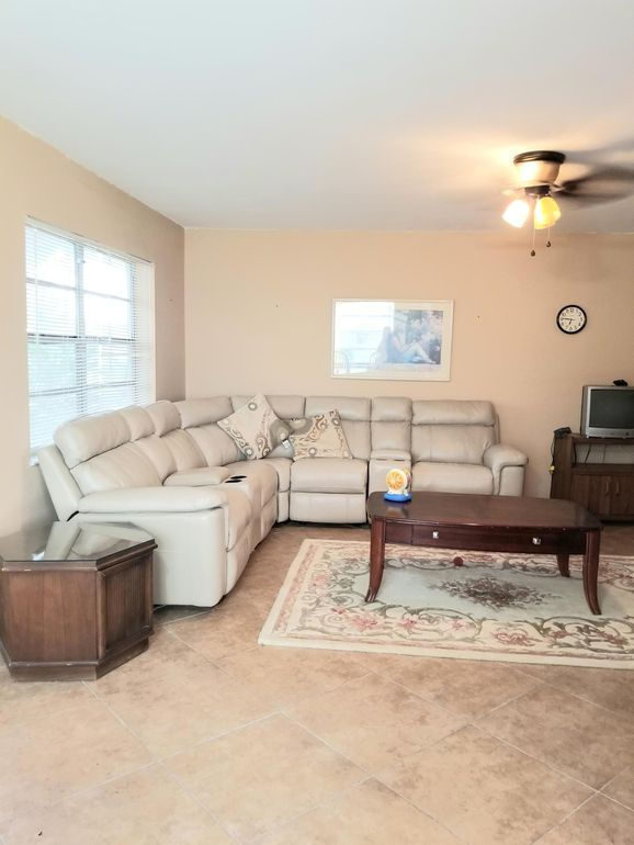 743 Burgundy P Unit 743, Delray Beach, FL 33484