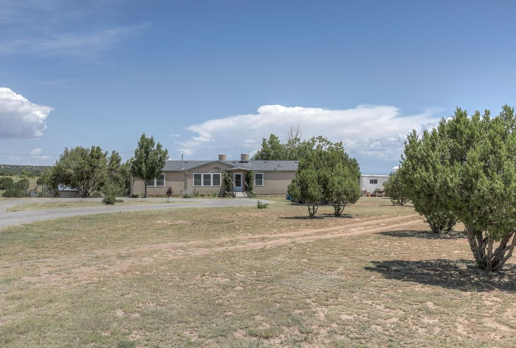 61 Cedar Lane Dr Moriarty, NM 87035