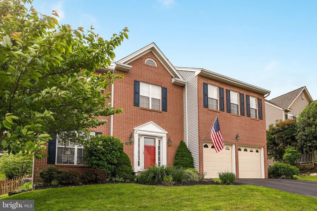 6304 Knollwood Dr, Frederick, MD 21701