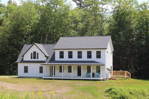 Photo of 261 Milliken Rd, North Yarmouth, ME 04097