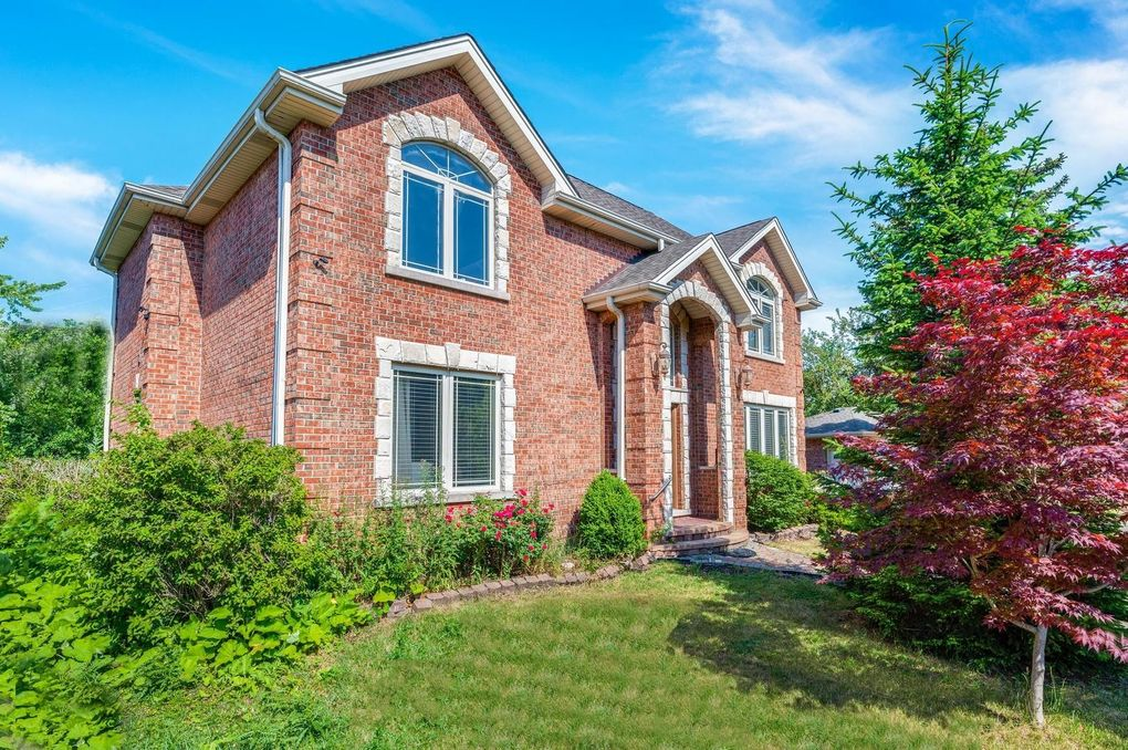 7851 N Oleander Ave Niles, IL 60714