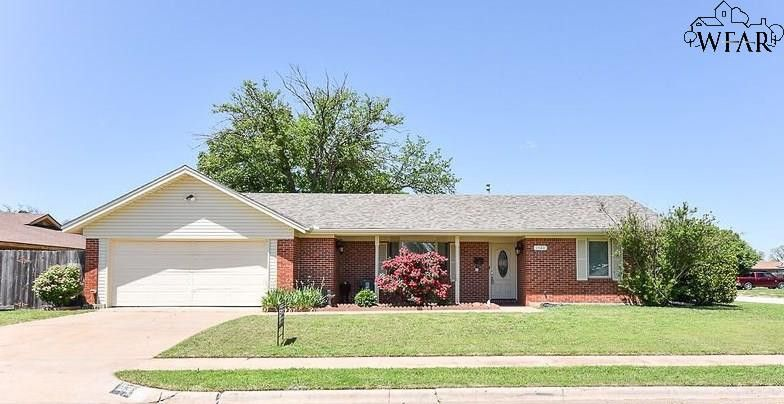 1306 Oakhurst Dr, Wichita Falls, TX 76302