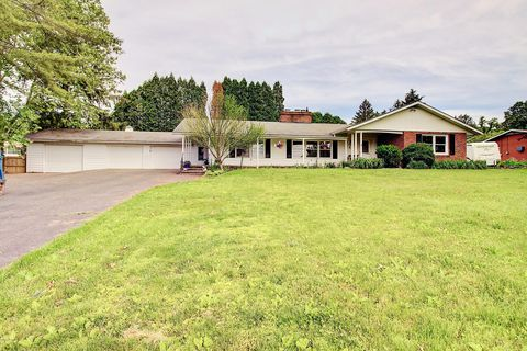 Photo of 7055 Scenic Dr, Bloomsburg, PA 17815