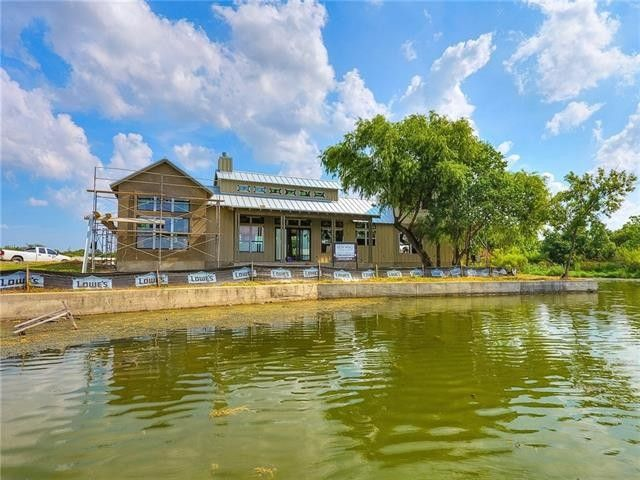 703 Woodland Hls, Granite Shoals, TX 78654