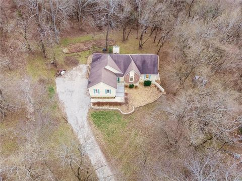 Photo of 21905 S Hedge Hill Dr, Pleasant Hill, MO 64080