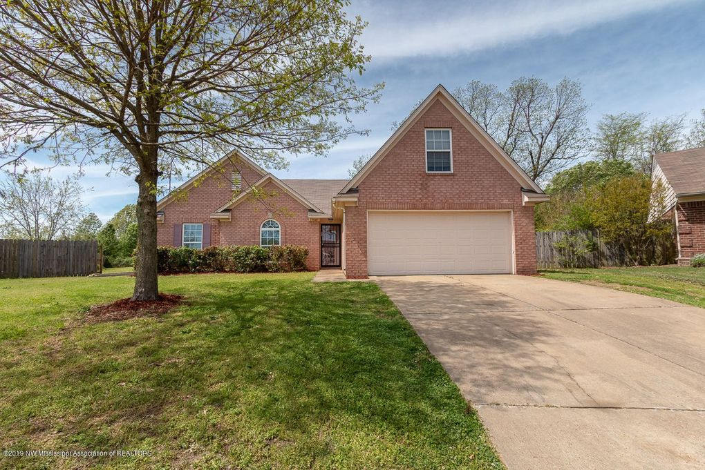 8149 Green Valley Cv, Southaven, MS 38671