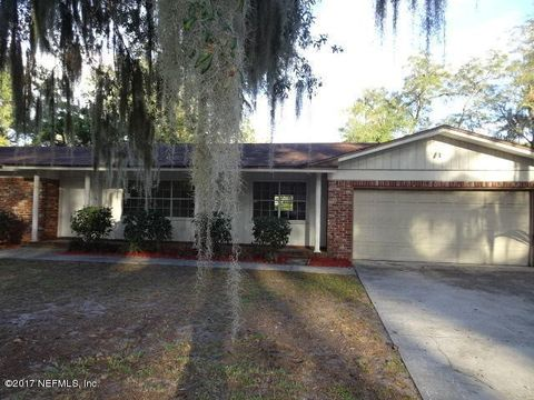 2773 Holly Ridge Dr, Orange Park, FL 32073