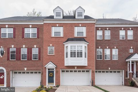 Photo of 437 Penwood Dr, Edgewater, MD 21037