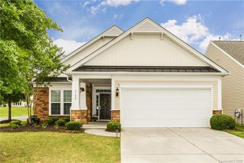 Photo of 5198 Cressingham Dr, Fort Mill, SC 29707