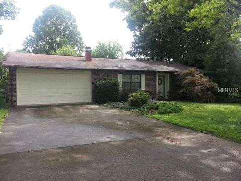 Photo of 210 Dogwood Dr, Maryville, TN 37804