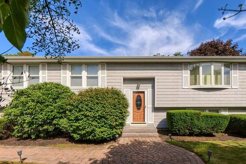 108 Marlborough Rd, Salem, MA 01970