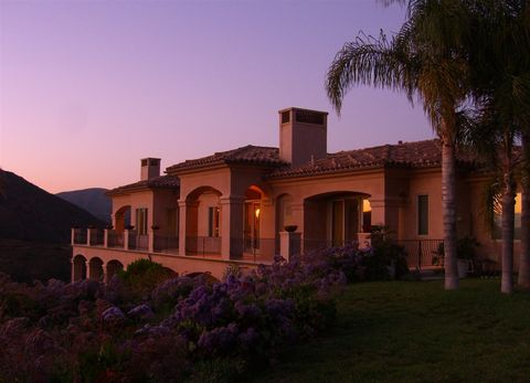 18588 Calle Flores, Rancho Santa Fe, CA 92067
