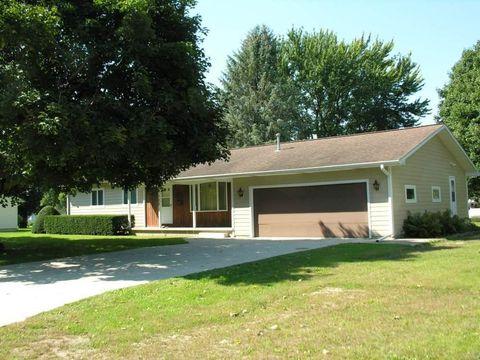 709 Cherry St, Riceville, IA 50466