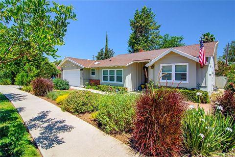 Photo of 22737 Collins St, Woodland Hills, CA 91367