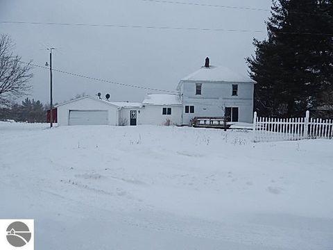 4647 N Vandermeulen Rd, Lake City, MI 49651