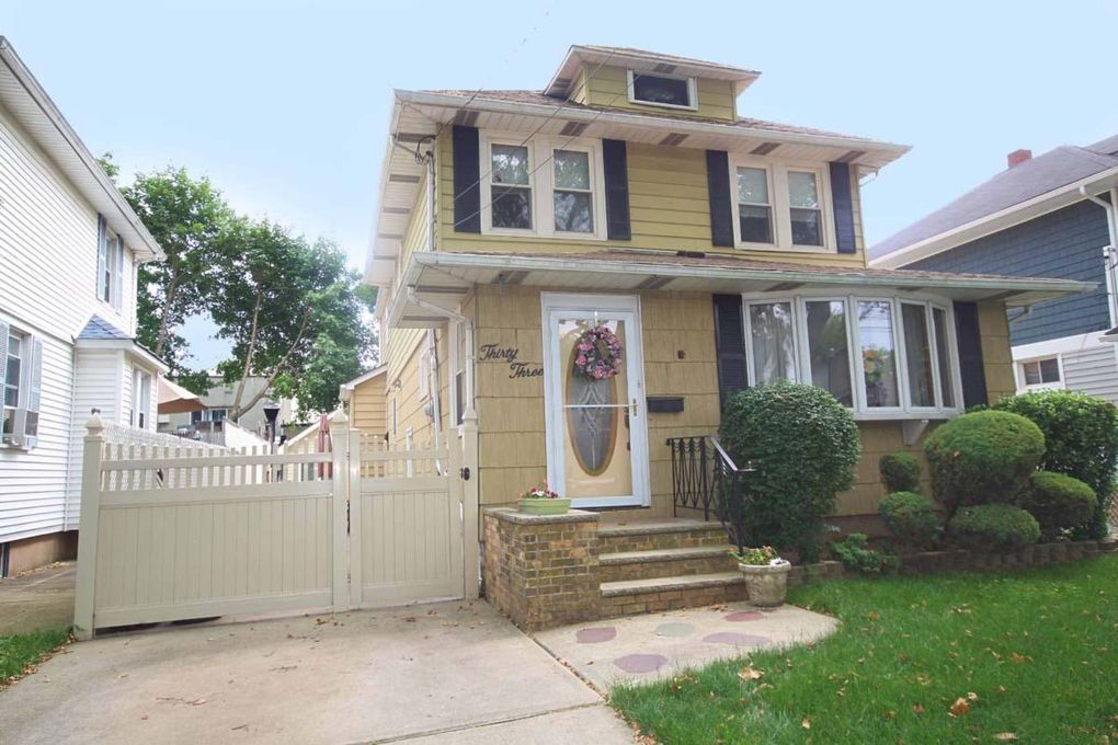 33 Coddington Ave Staten Island, NY 10306