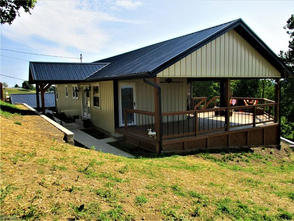 65120 Breezy Point Ln Bellaire, OH 43906