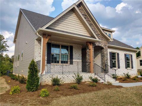 Brilliant 27409 Real Estate Homes For Sale Realtor Com Home Remodeling Inspirations Basidirectenergyitoicom