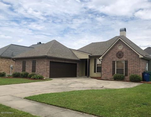Photo of 106 Shadowbrook Ln, Youngsville, LA 70592
