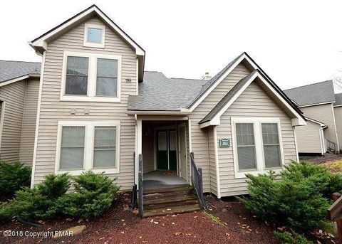 363 Juniper Ct, Tannersville, PA 18372