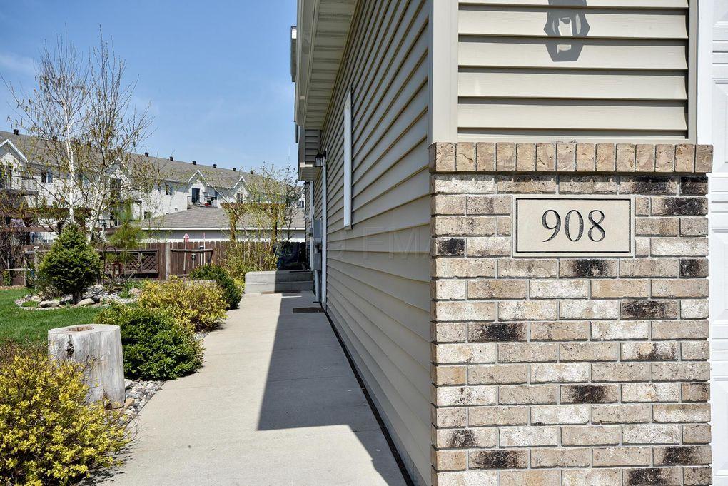 908 35th Ave S, Moorhead, MN 56560