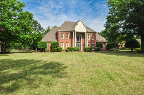 Photo of 2641 N Mansfield Manor Cv, Collierville, TN 38017