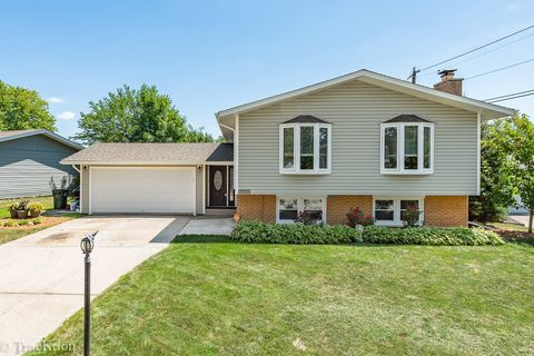 15459 Alameda Ave, Oak Forest, IL 60452