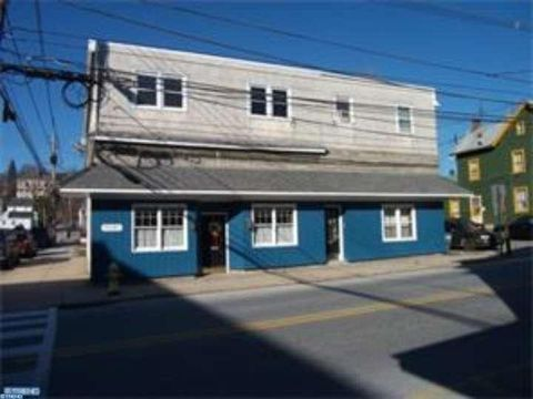 351 W 1st Ave Unit 2, Parkesburg, PA 19365