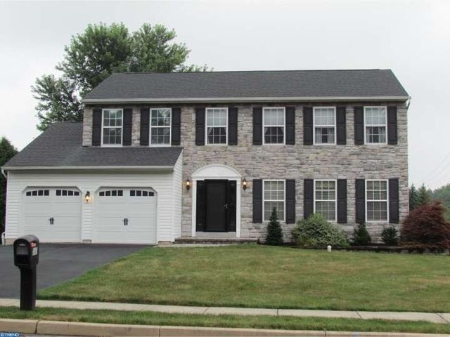 247 Willow Wood Dr, Doylestown, PA 18901