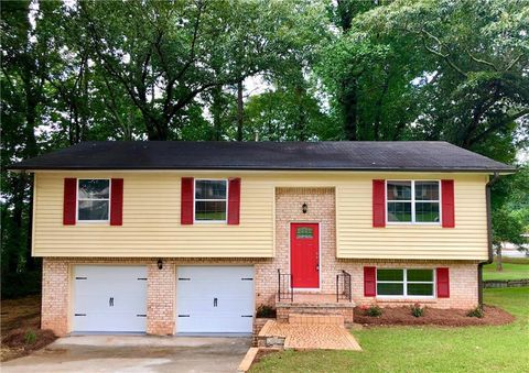 Photo of 2301 Tarian Dr, Decatur, GA 30034