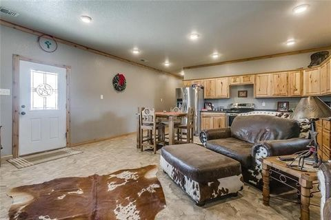 Photo of 106 Private Road 3145, Decatur, TX 76234