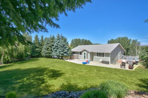 Terrace Heights, WA Houses for Sale with Swimming Pool - realtor com®
