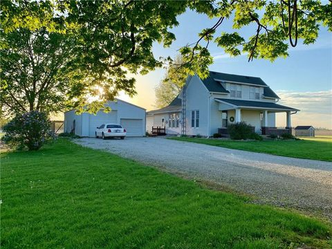 Photo Of 564 S Mountain Rd, Hillsboro, IN 47949. House For Sale