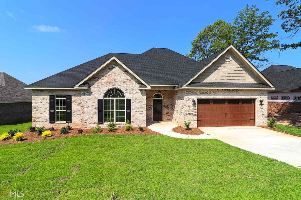 105 Timber Ridge Cir, Byron, GA 31008
