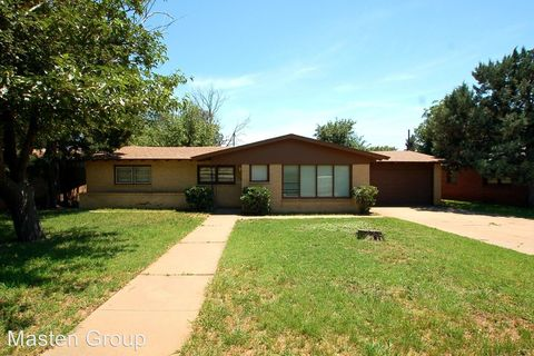 Photo of 2703 37th St, Lubbock, TX 79413