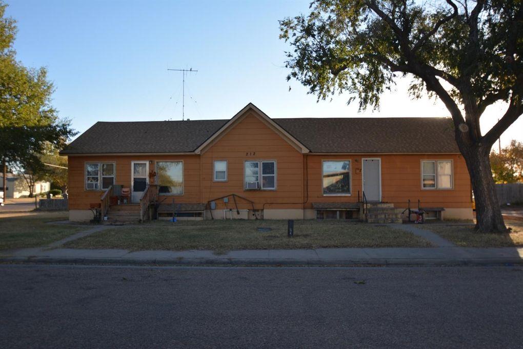 212 N Davis St Apt, Garden City, KS 67846