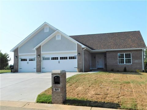 Photo of 921 E Mill Creek Rd S, Greensburg, IN 47240
