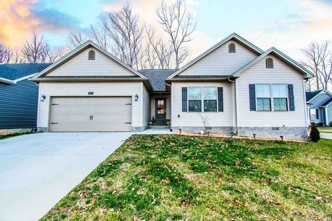 692 Red Maple St, Bowling Green, KY 42101
