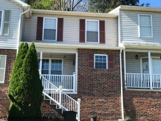 4 Hall Valley Ct, Bridgeport, WV 26330