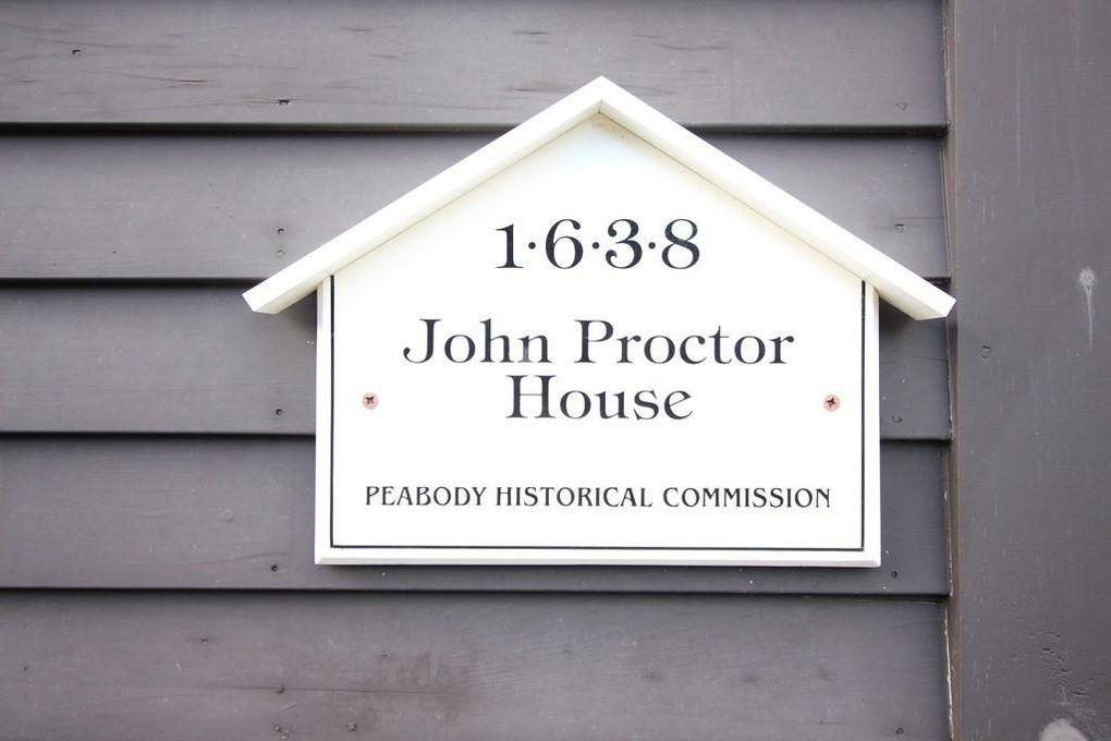 348 Lowell St, Peabody, MA 01960